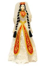 Женская кукла грузинки в национальном платье