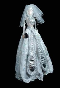 Кукла в свадебном грузинском платье