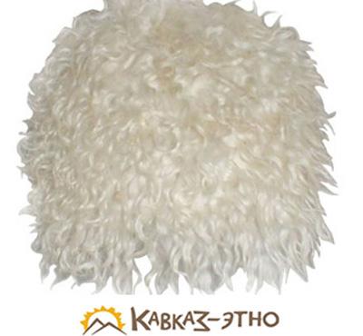 Белая овечья папаха